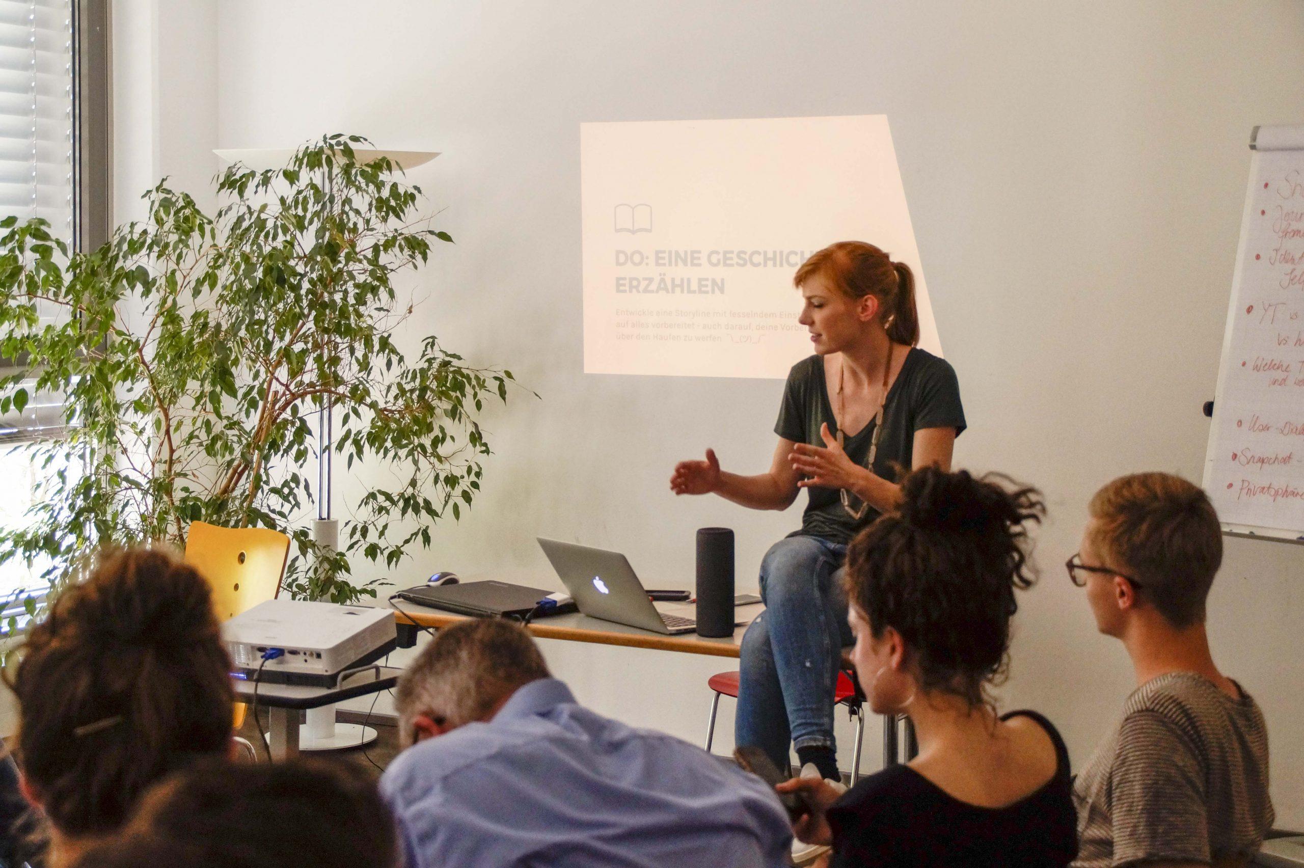 Die Ausbildung ist verknüpft mit einem Studium an der Universität Köln.